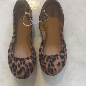 Shoes - NWT leopard print flats